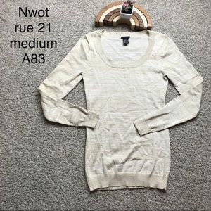 Nwot rue 21 Gold color sweater